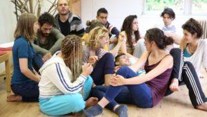 Storytelling center organiseert particuliere storytelling trainingen voor persoonlijke ontwikkeling, maar organiseert dit ook samen of vanuit een organisatie.