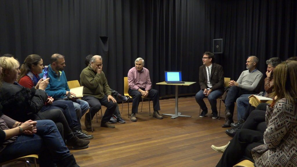 Stichting Storytelling Centre organiseert storytelling trainingen om diversiteit te stimuleren, voor identiteitsversterking en daarmee positieve interculturele ontmoetingen.
