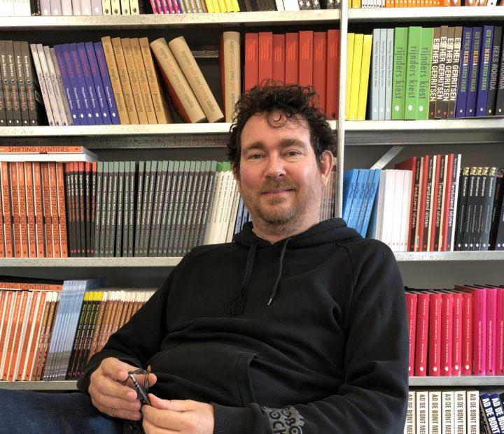 Interview directeur Arjen Barel over zijn nieuwe boek 'Storytelling en de wereld'