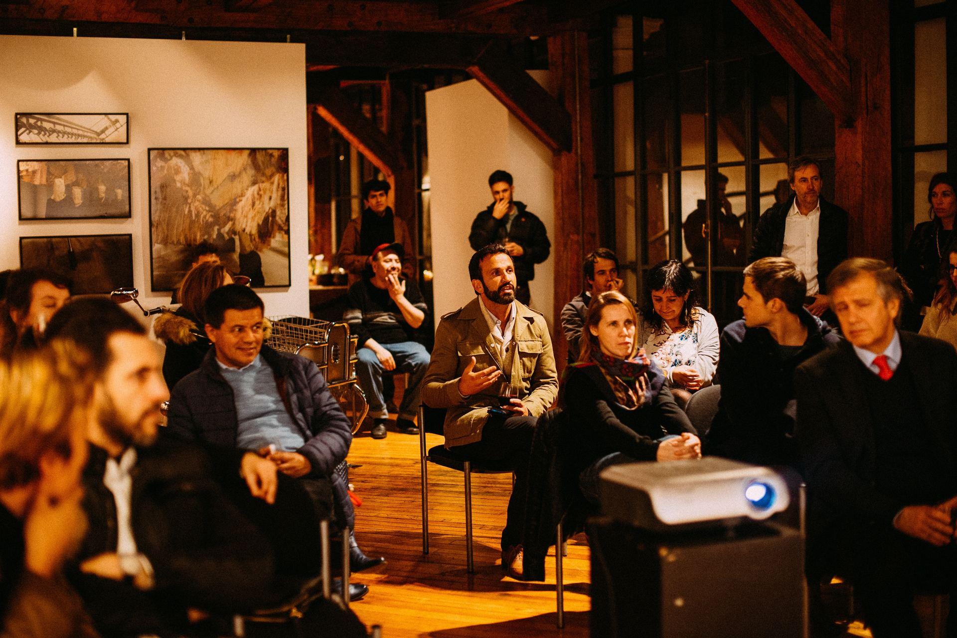 een eindpresentatie bij de storytelling training